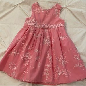 Girl's Pink Sleveless Dress with Embroidery Detail